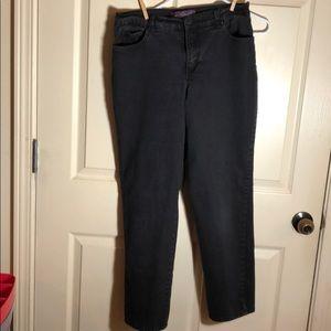 "Black GLORIA VANDERBILT ""Amanda"" jeans"